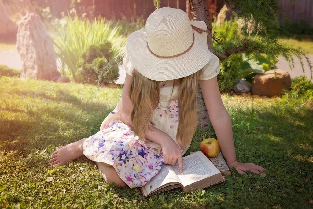 reading little girl